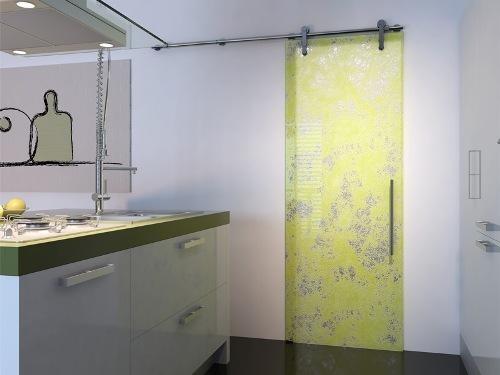 цветное стекло в ванной