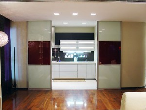 отделение кухни от гостиной